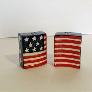 American Flag Salt and Pepper Shakers